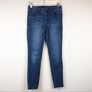 1822 Denim Raw Hem Skinny Jeans